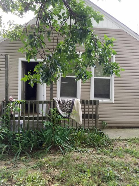 Additional photo for property listing at 1513 Hoertz Avenue  Louisville, Kentucky 40217 United States