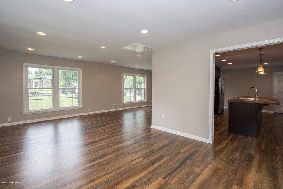 Additional photo for property listing at 1614 Whittaker Road  Crestwood, Kentucky 40014 United States