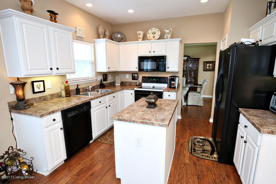 Additional photo for property listing at 210 Arlington Meadows Drive  Fisherville, Kentucky 40023 United States