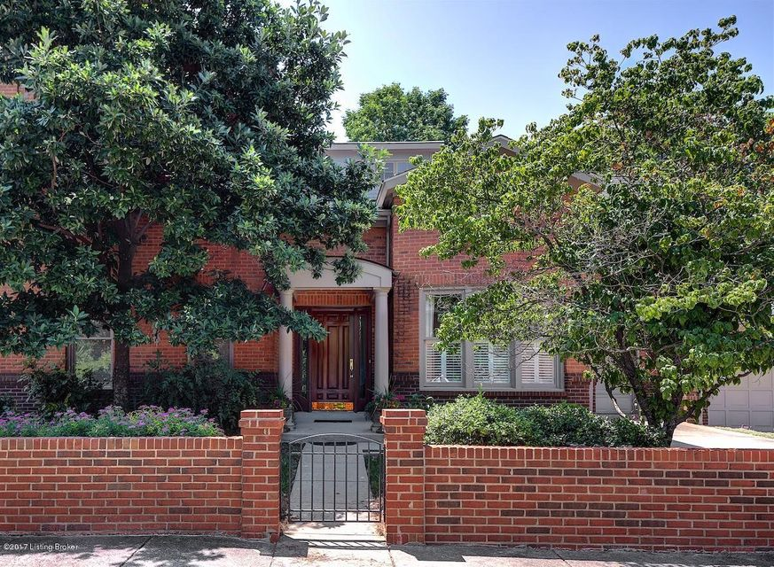 Single Family Home for Sale at 304 Chelsea Green Court Louisville, Kentucky 40207 United States