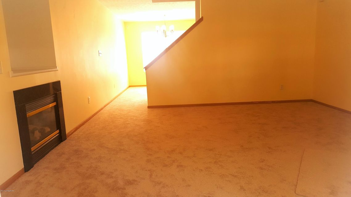 Additional photo for property listing at 6509 Hunters Creek Blvd  Louisville, Kentucky 40258 United States