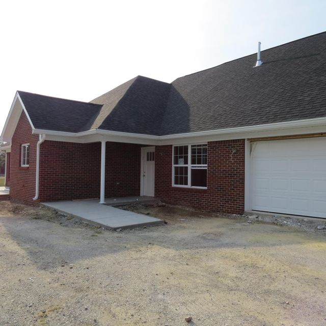 Single Family Home for Sale at 505 Eagle Pointe Drive Louisville, Kentucky 40214 United States