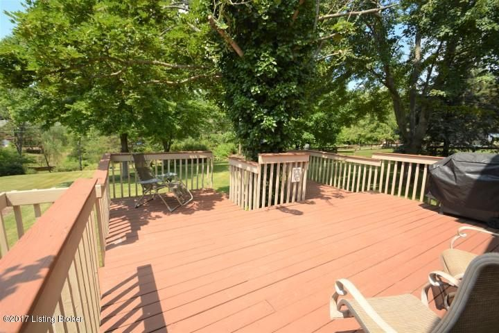 Additional photo for property listing at 8644 Heritage Drive  Florence, Kentucky 41042 United States