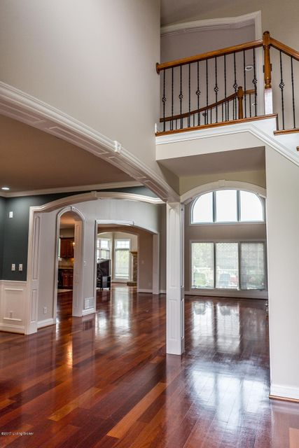 Additional photo for property listing at 1001 Windsor Drive 1001 Windsor Drive Shelbyville, Kentucky 40065 United States
