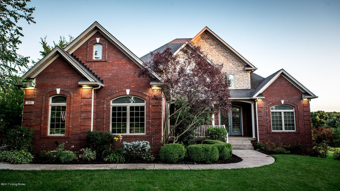 Single Family Home for Sale at 1001 Windsor Drive 1001 Windsor Drive Shelbyville, Kentucky 40065 United States