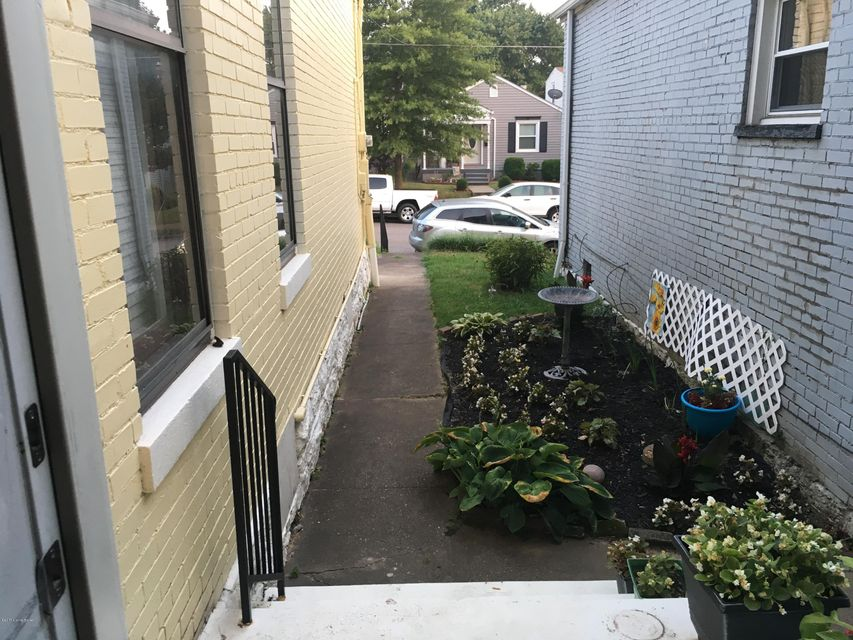 Additional photo for property listing at 1011 E Caldwell Street  Louisville, Kentucky 40204 United States