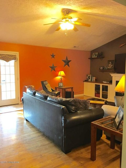 Additional photo for property listing at 7157 Hempridge Road 7157 Hempridge Road Shelbyville, Kentucky 40065 United States