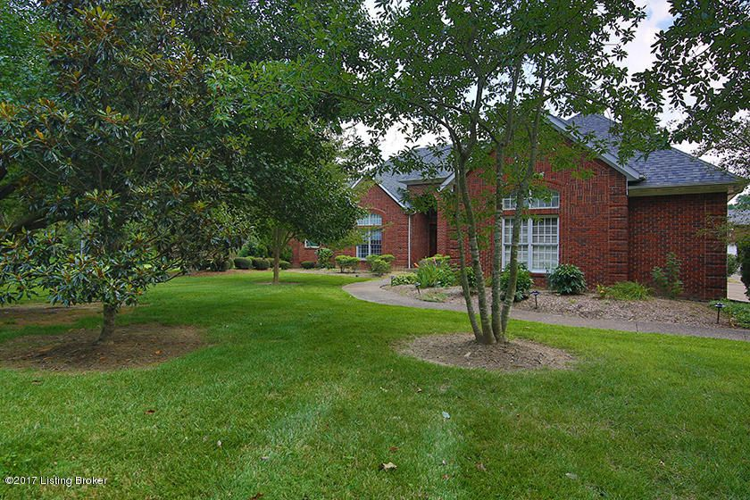 Additional photo for property listing at 1412 Gutford Road 1412 Gutford Road Clarksville, Indiana 47129 United States