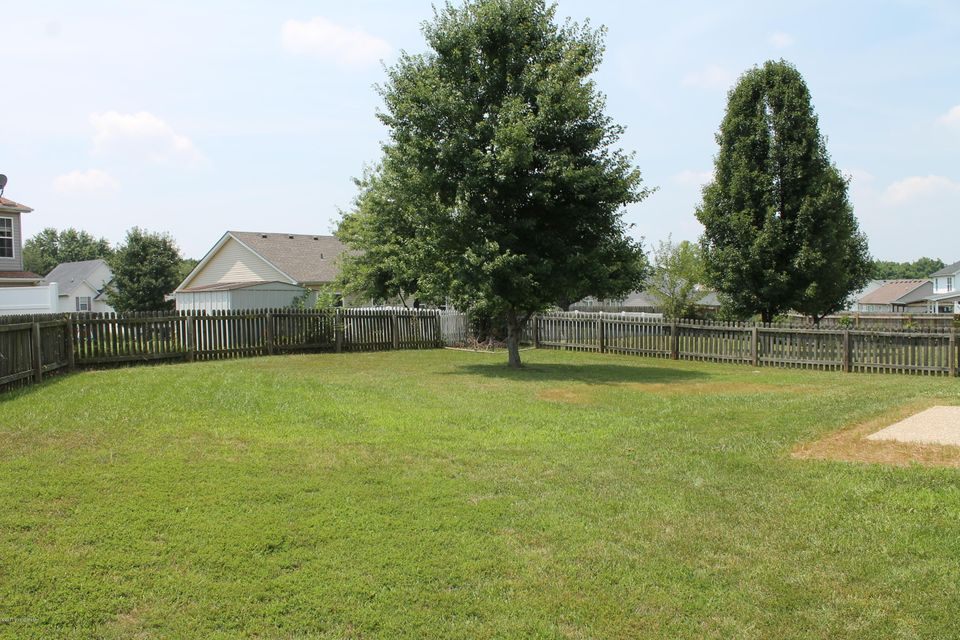 Additional photo for property listing at 7820 Lariat Road 7820 Lariat Road Louisville, Kentucky 40219 United States