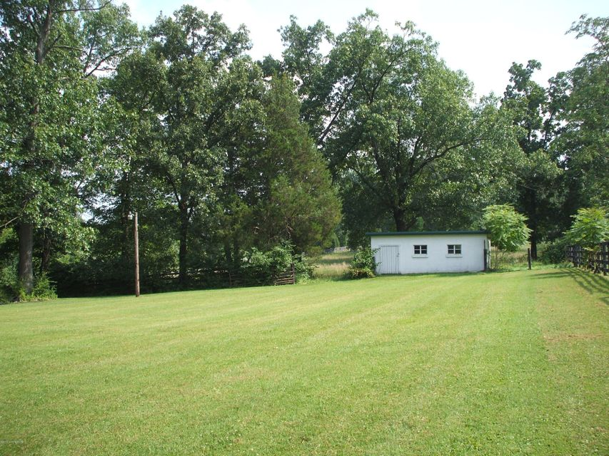 Additional photo for property listing at 10000 Fairmount Road  Louisville, Kentucky 40291 United States