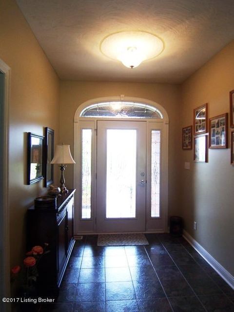 Additional photo for property listing at 130 Lorenza Circle  Bardstown, Kentucky 40004 United States