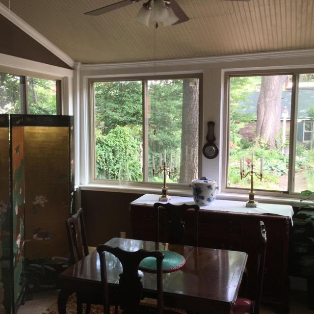 Additional photo for property listing at 1233 S 6th Street 1233 S 6th Street Louisville, Kentucky 40203 United States