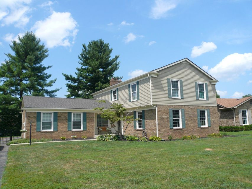 Single Family Home for Sale at 8219 Paddington Drive Louisville, Kentucky 40222 United States