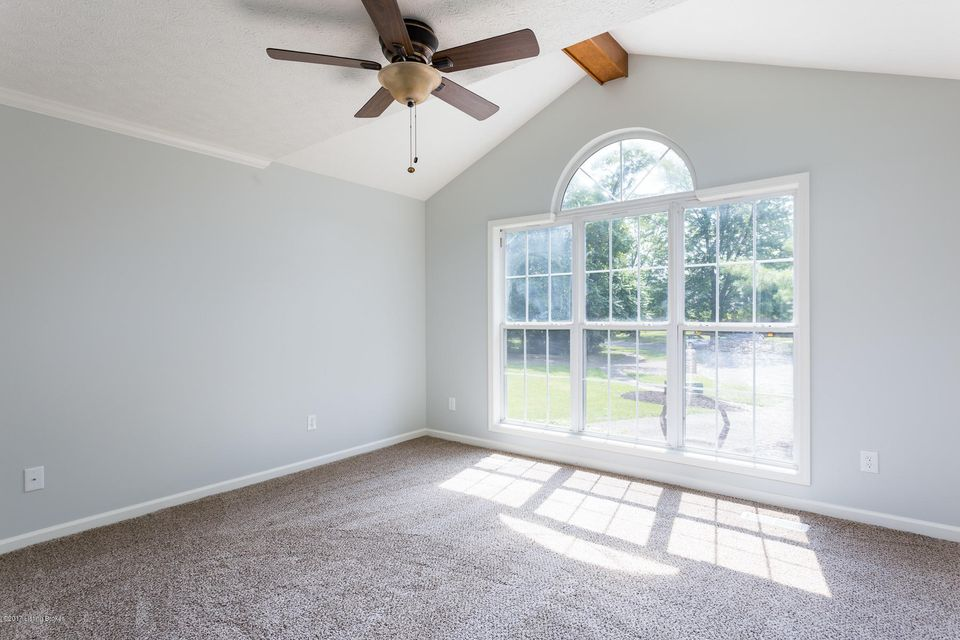 Additional photo for property listing at 1420 Hagen Road  Louisville, Kentucky 40223 United States