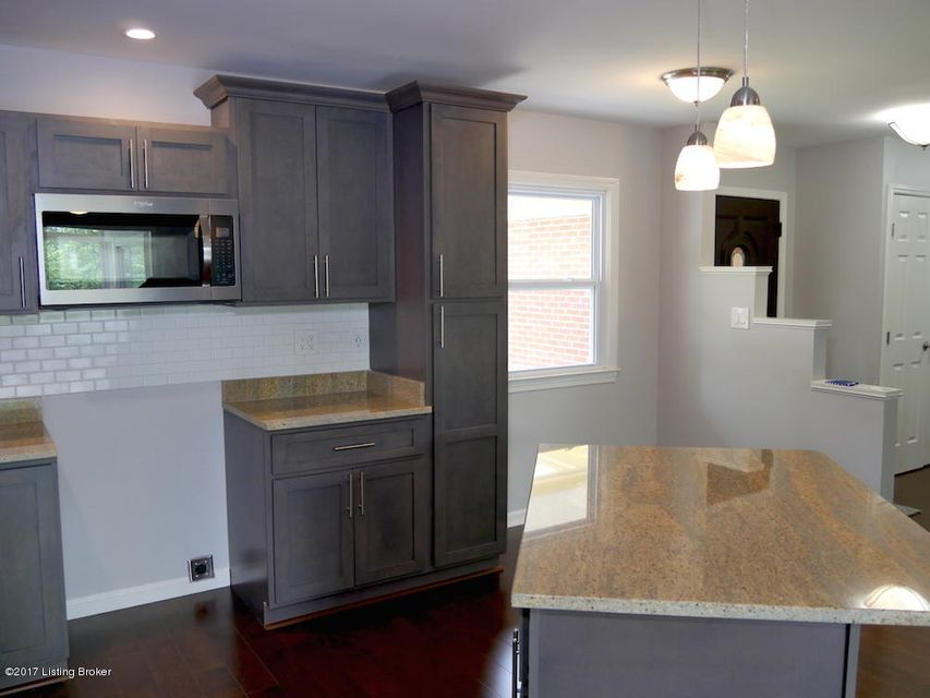 Additional photo for property listing at 1124 Broadfields Drive  Louisville, Kentucky 40207 United States