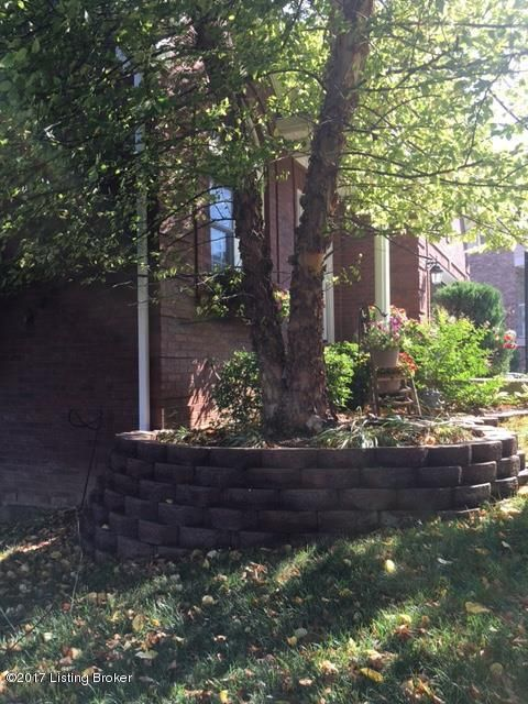 Additional photo for property listing at 10119 Trotter  Louisville, Kentucky 40228 United States