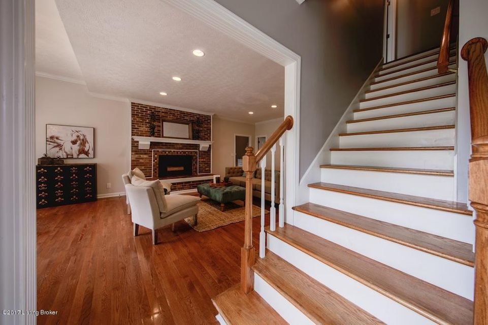 Additional photo for property listing at 5212 Moccasin Trail  Louisville, Kentucky 40207 United States
