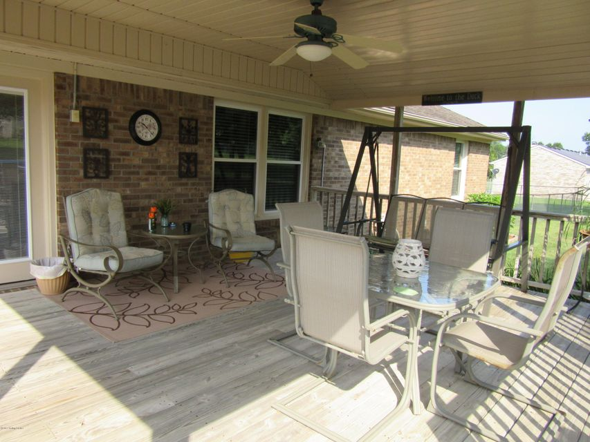 Additional photo for property listing at 1410 Chapeze Lane  Shepherdsville, Kentucky 40165 United States