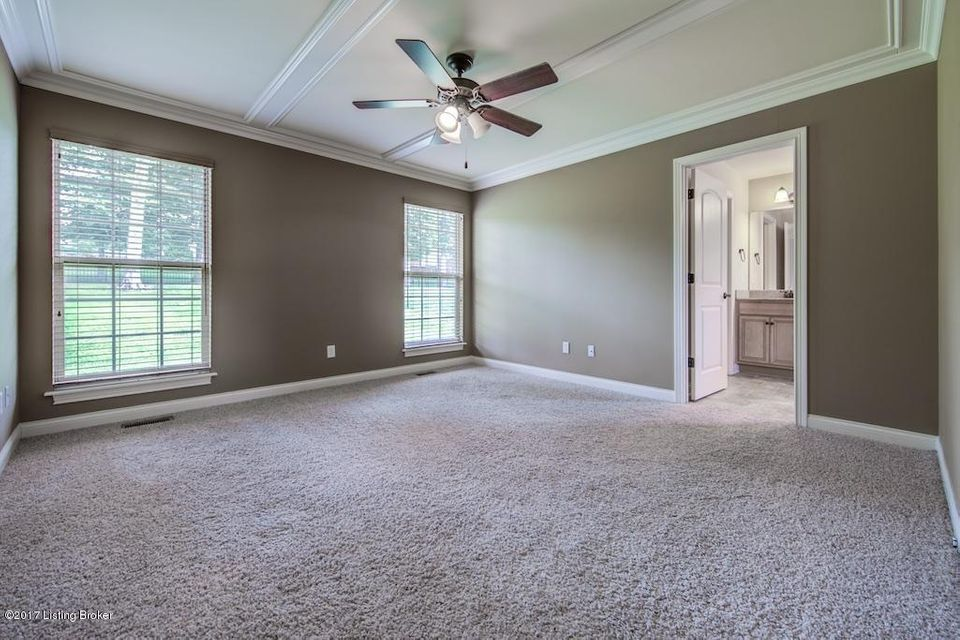 Additional photo for property listing at 11543 Forest Hill Circle  Sellersburg, Indiana 47172 United States