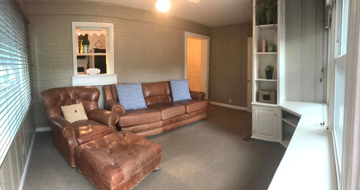 Additional photo for property listing at 3523 Hycliffe Avenue  Louisville, Kentucky 40207 United States