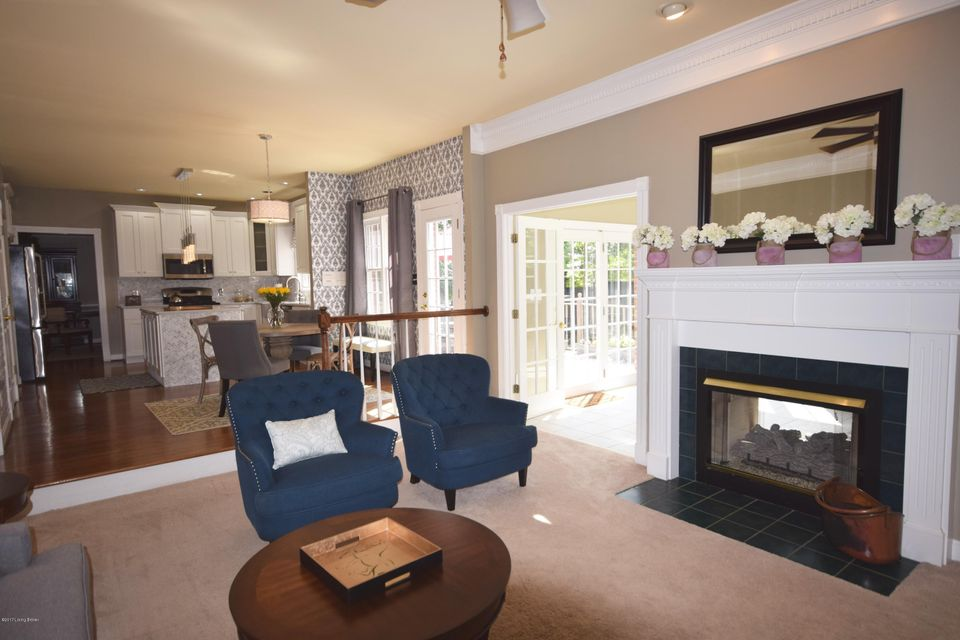 Additional photo for property listing at 14401 Forest Glenn Court  Louisville, Kentucky 40245 United States