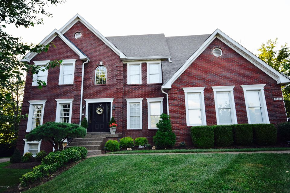 Single Family Home for Sale at 14401 Forest Glenn Court Louisville, Kentucky 40245 United States