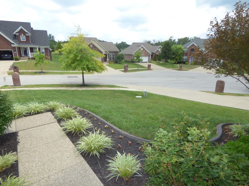 Additional photo for property listing at 10506 Venado Drive  Louisville, Kentucky 40291 United States