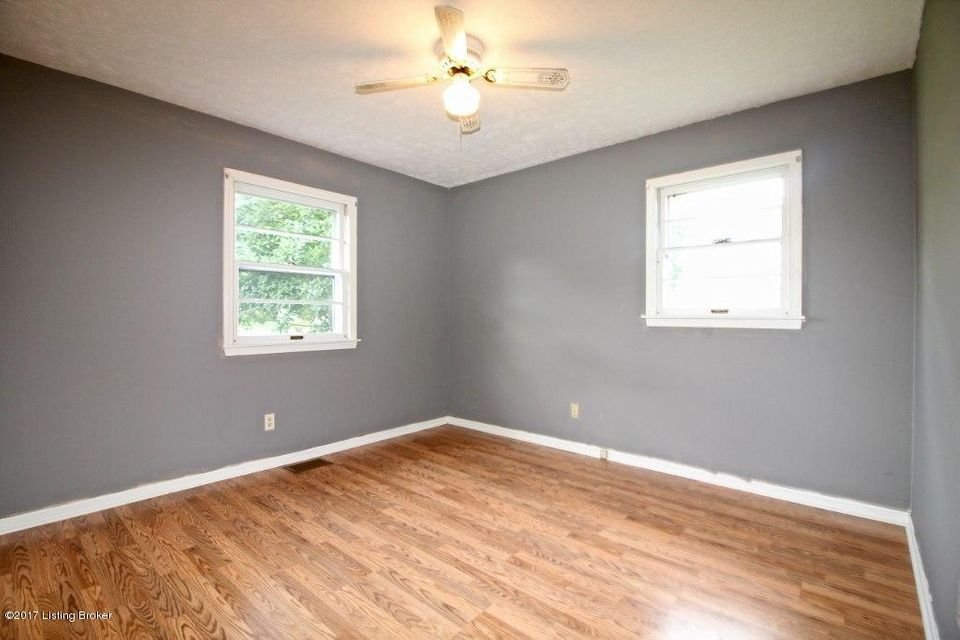 Additional photo for property listing at 221 Audubon Lane  Shepherdsville, Kentucky 40165 United States
