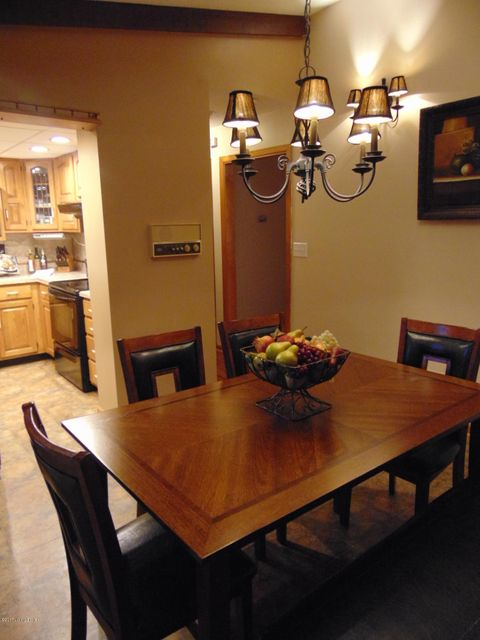 Additional photo for property listing at 9217 Lakeridge Drive  Louisville, Kentucky 40272 United States