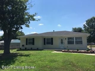 Single Family Home for Sale at 7106 Broken Bow Drive Louisville, Kentucky 40258 United States