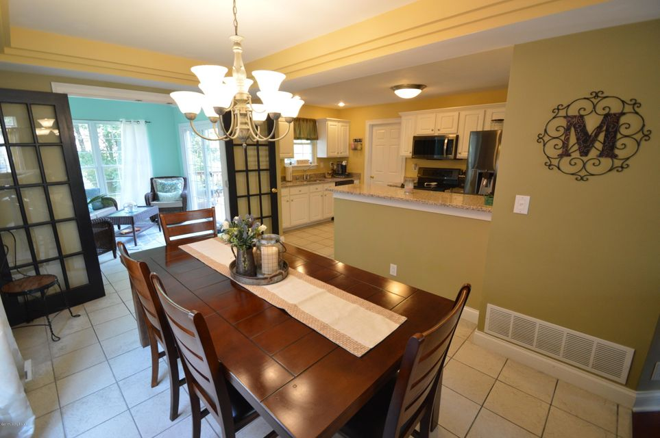 Additional photo for property listing at 4214 Sunny Crossing Drive  Louisville, Kentucky 40299 United States