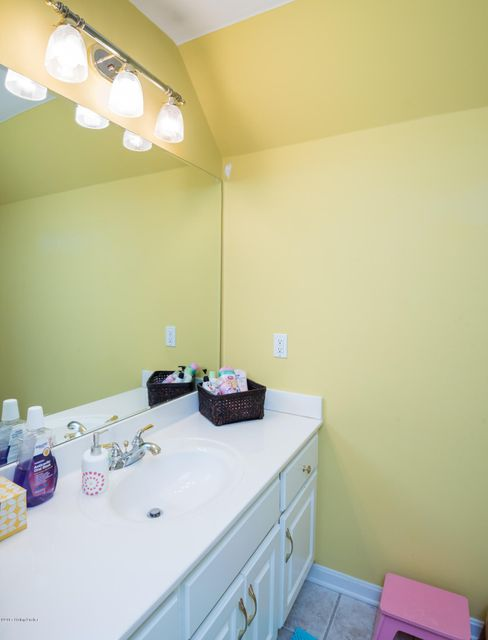 Additional photo for property listing at 11108 Herring Court  Louisville, Kentucky 40291 United States