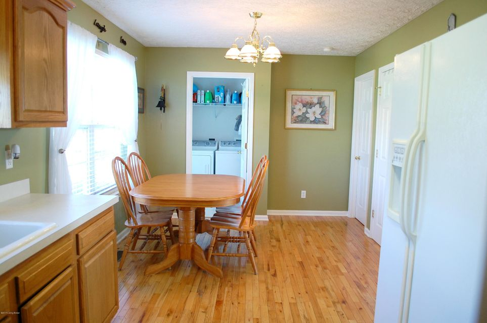 Additional photo for property listing at 220 Watkins Glen Way  Taylorsville, Kentucky 40071 United States