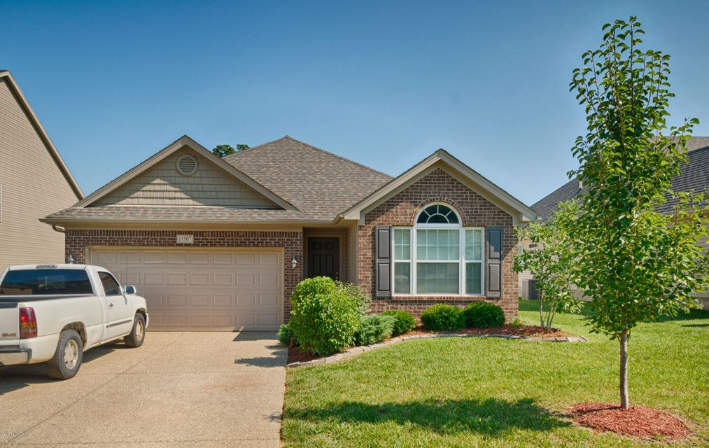 Single Family Home for Sale at 11507 English Garden Way Louisville, Kentucky 40229 United States