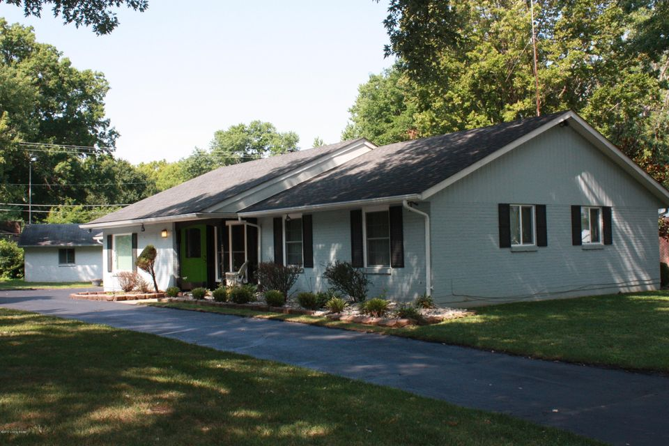 Additional photo for property listing at 3413 Utica Pike  Jeffersonville, Indiana 47130 United States