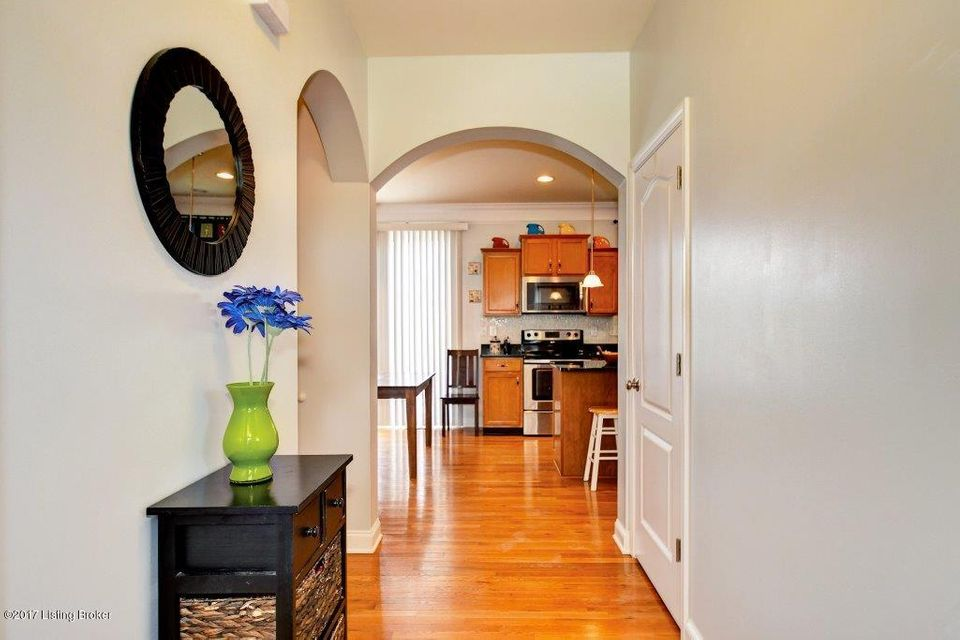 Additional photo for property listing at 8924 Meadow Sweet Way  Louisville, Kentucky 40228 United States