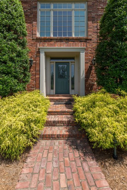 Additional photo for property listing at 2705 Cave Spring Place  Anchorage, Kentucky 40223 United States
