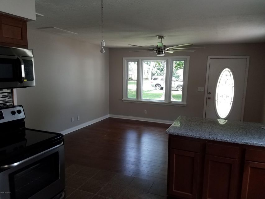Additional photo for property listing at 4213 Searcy Lane  Louisville, Kentucky 40216 United States