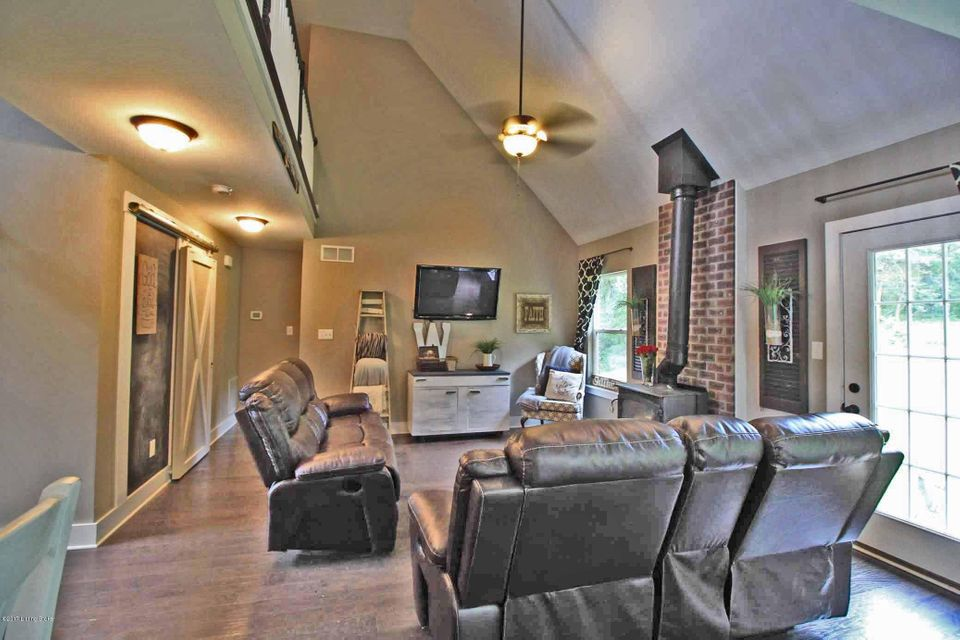 Additional photo for property listing at 2490 Buzzard Roost Road  Waddy, Kentucky 40076 United States
