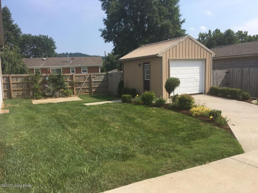 Additional photo for property listing at 3903 Heavenly Way  Louisville, Kentucky 40272 United States