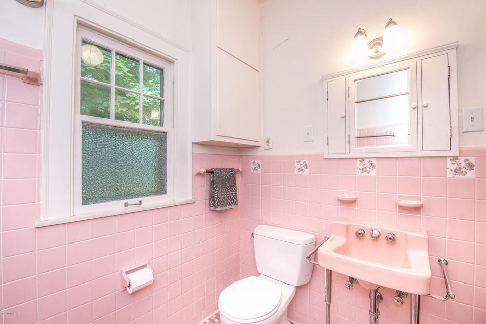 Additional photo for property listing at 214 Fairlawn Road  Louisville, Kentucky 40207 United States