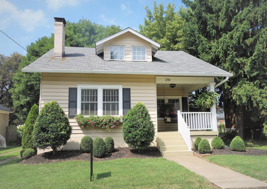 Single Family Home for Sale at 214 Fairlawn Road Louisville, Kentucky 40207 United States
