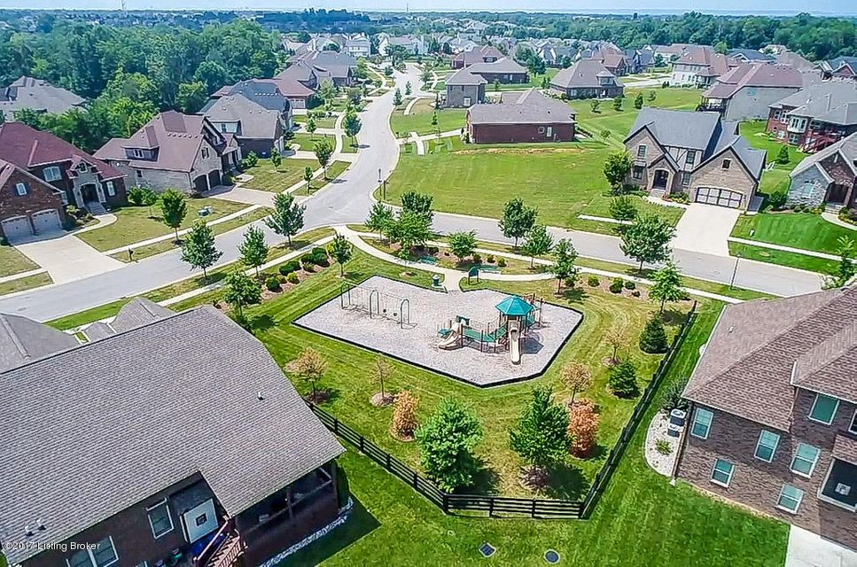 Additional photo for property listing at 5210 Pebble Creek Place 5210 Pebble Creek Place Louisville, Kentucky 40241 United States