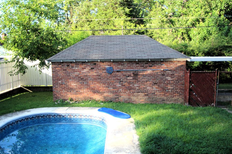 Additional photo for property listing at 201 Seneca Trail  Louisville, Kentucky 40214 United States
