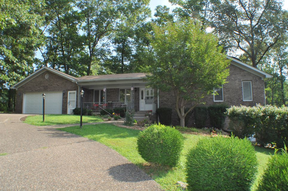 Single Family Home for Sale at 36 Greensway Circle 36 Greensway Circle Brandenburg, Kentucky 40108 United States