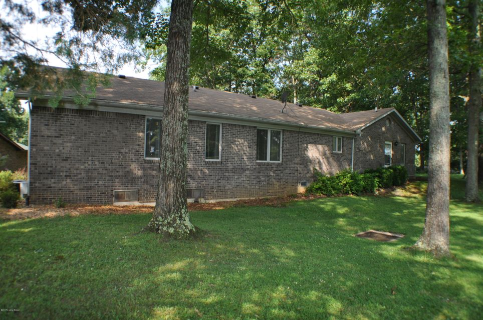 Additional photo for property listing at 36 Greensway Circle 36 Greensway Circle Brandenburg, Kentucky 40108 United States