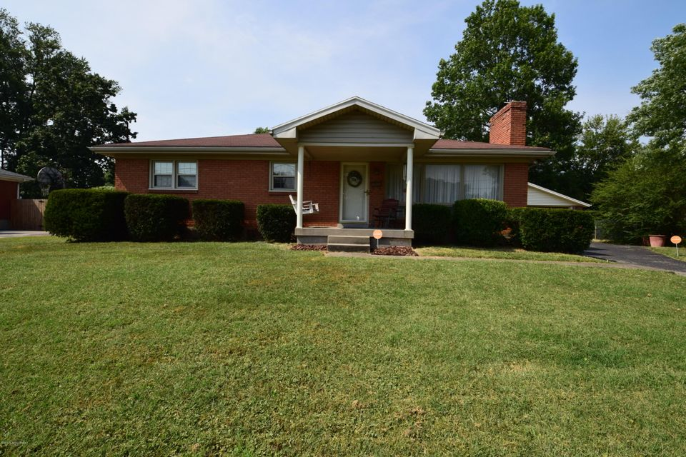 Single Family Home for Sale at 5807 Teakwood Lane Louisville, Kentucky 40258 United States