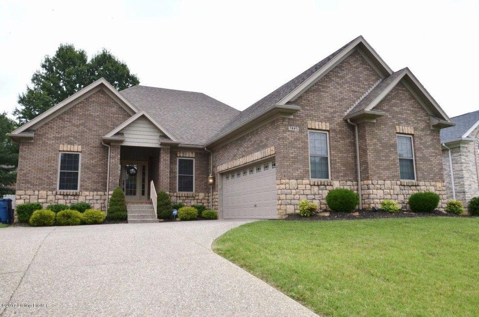 Single Family Home for Sale at 7225 Oakburn Drive Louisville, Kentucky 40272 United States
