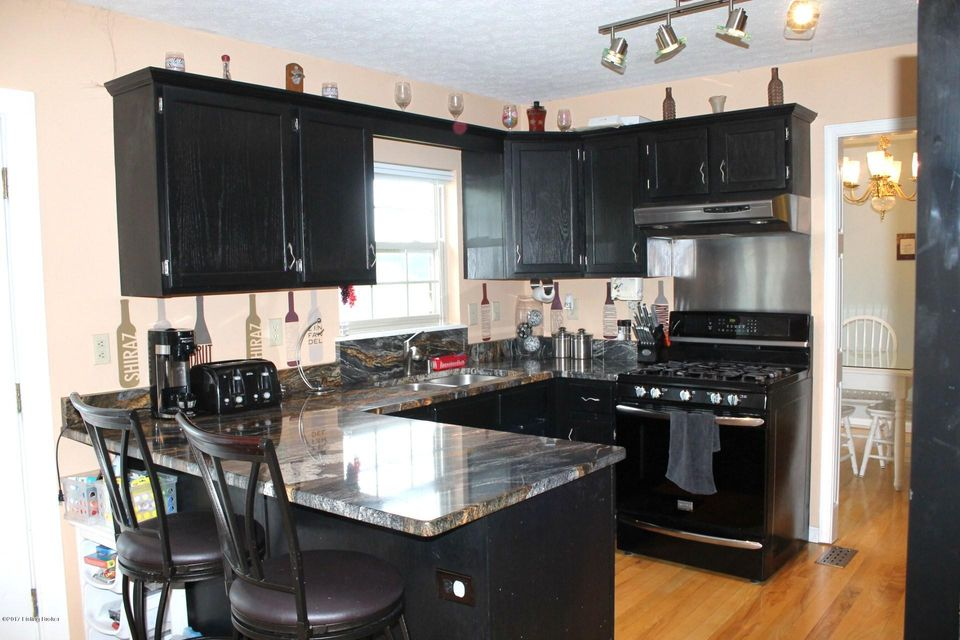 Additional photo for property listing at 18 Valleyview Drive  Fisherville, Kentucky 40023 United States