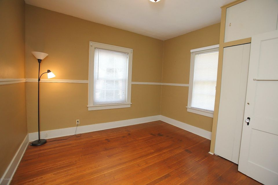 Additional photo for property listing at 2222 Spring Avenue  New Albany, Indiana 47150 United States